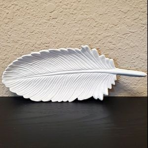 White feather catch-all dish